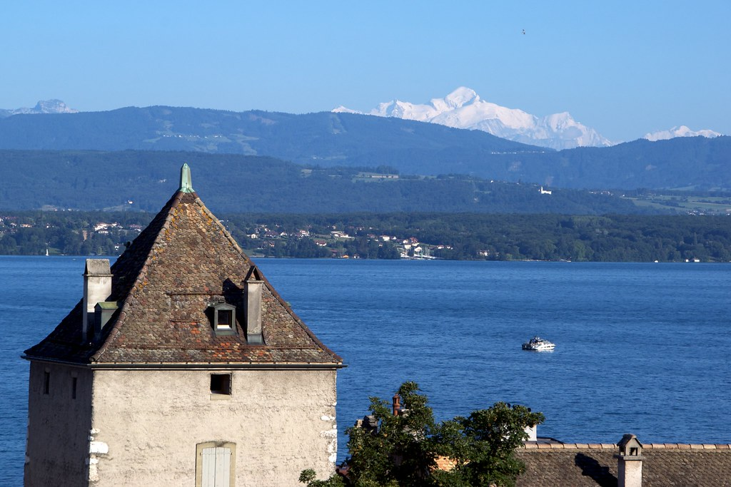 Mont blanc from nyon scott wilson flickr for Carrelage mont blanc sallanches