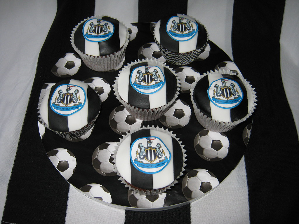 Newcastle United Football Cupcakes Cupcakes For Hubby S