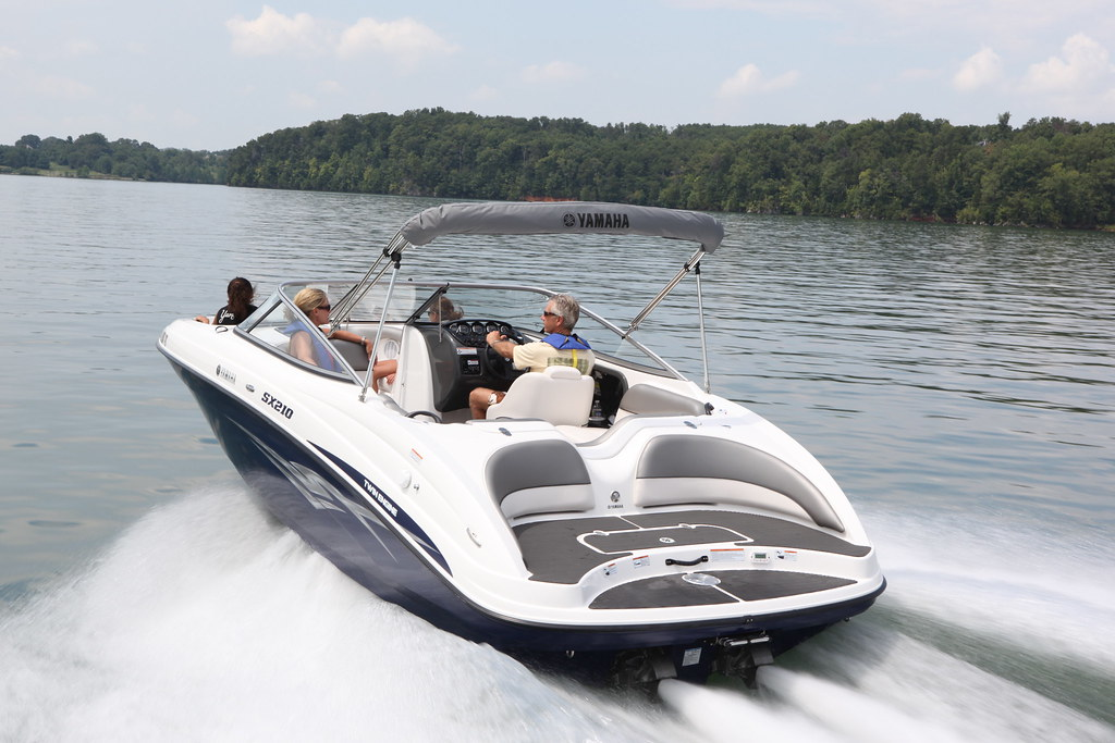 2011 yamaha sx210 yamaha 39 s 2010 sx210 the spacious for Yamaha jet boat forum