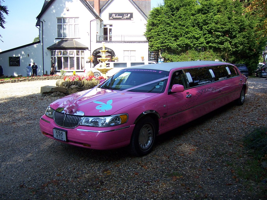 Pink White Lincoln Towncar Limo Wedding 2003 2000 Mode Flickr