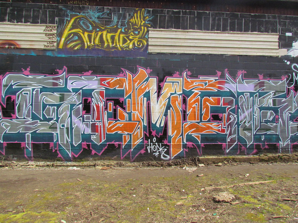 deviance graffiti and vandalism The meanings of graffiti and municipal finding solutions through distinguishing graffiti art from graffiti vandalism politics and deviance in.