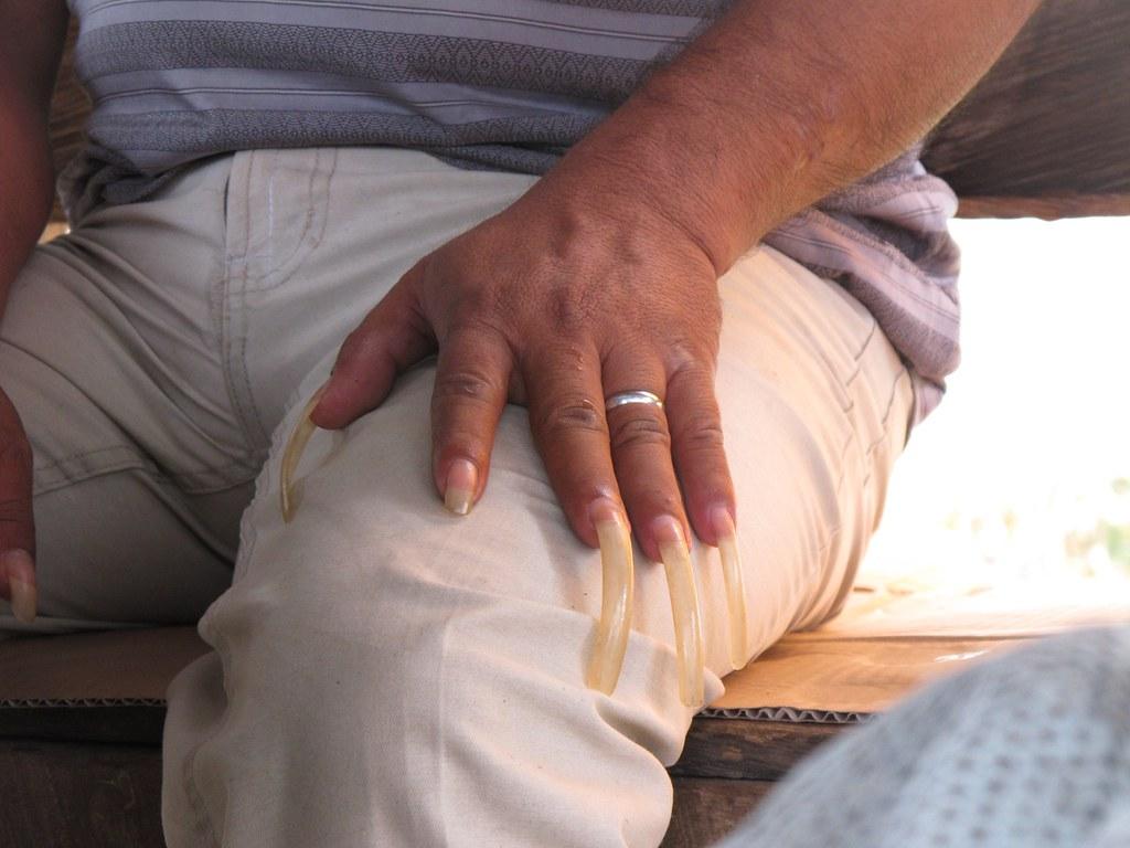 Long nails - Berau | Paco Alfonso | Flickr
