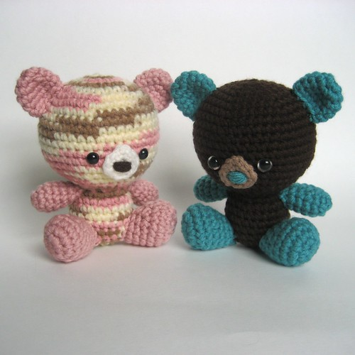 Amigurumi Little Teddy Bear : Amigurumi Teddy Bears These little teddy bears are ice ...