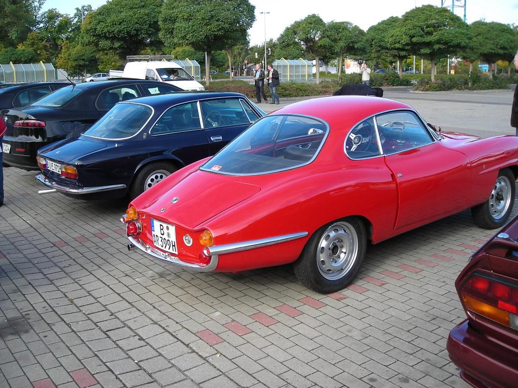 Chevrolet Corvette C5 Coupe 1997 moreover 23852 Czyszczenie regulatora cisnienia paliwa jtd together with 18 1974 Alfa Romeo Gtv Interior Wallpaper 7 in addition 5453346674 likewise Showthread. on alfa romeo transaxle