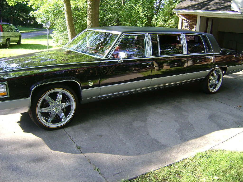 92 Cadillac Limo Custom Update 015