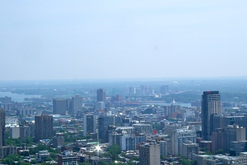 how to get to montreal airport from downtown montreal