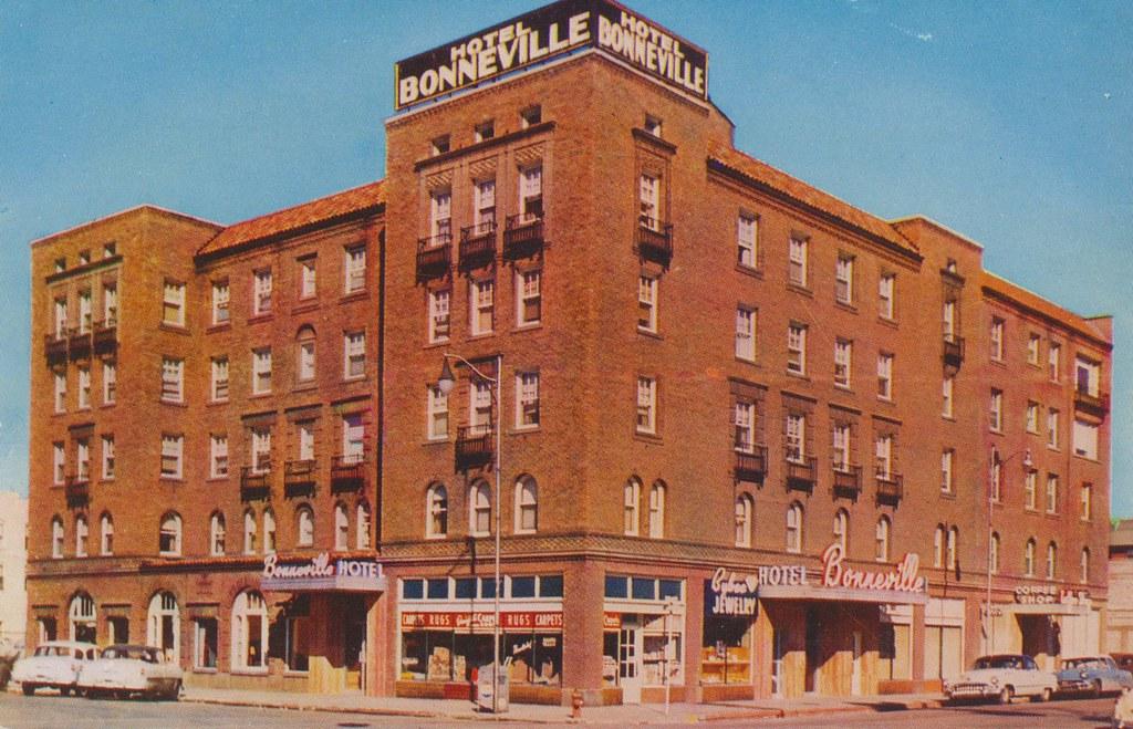 Hotel Bonneville - Idaho Falls, Idaho