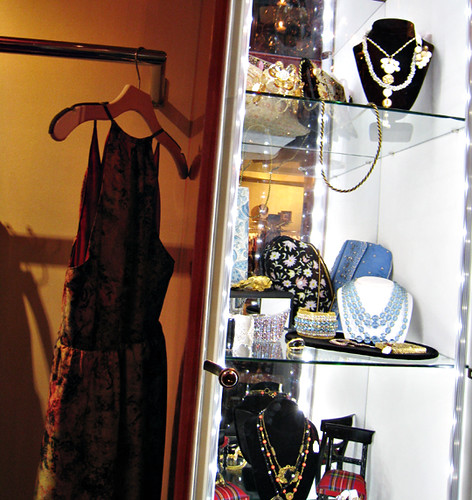 Annie Creamcheese shop in Vegas+vintage jewelry | by ...love Maegan