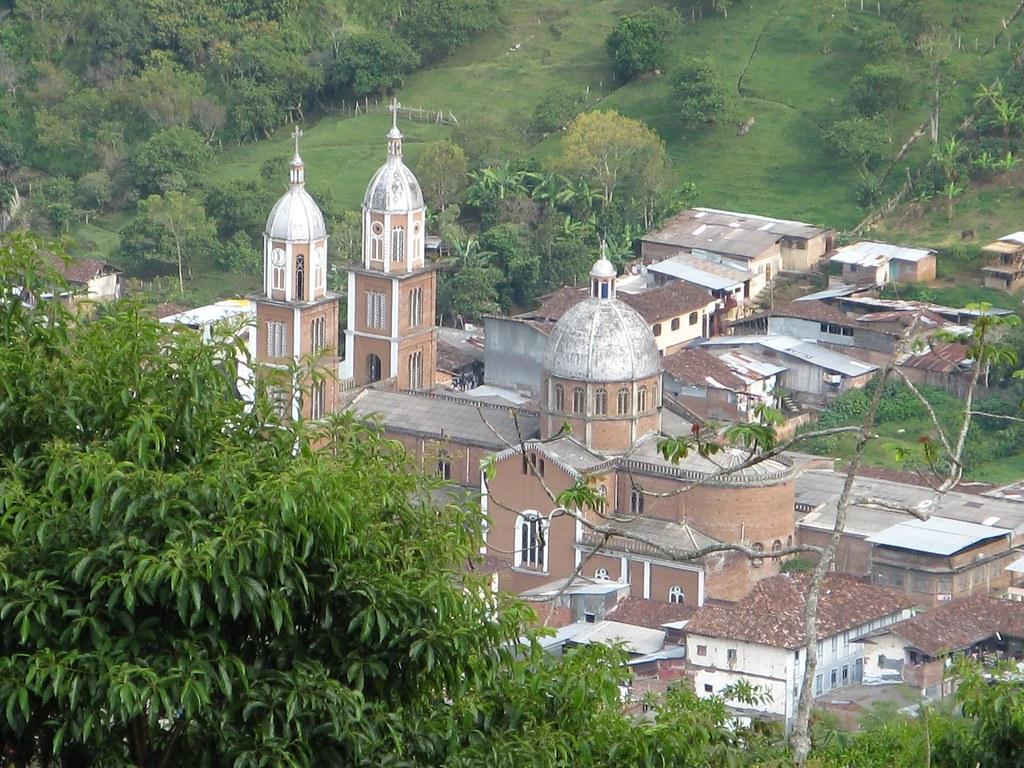 Iglesia de Génova y sus casas