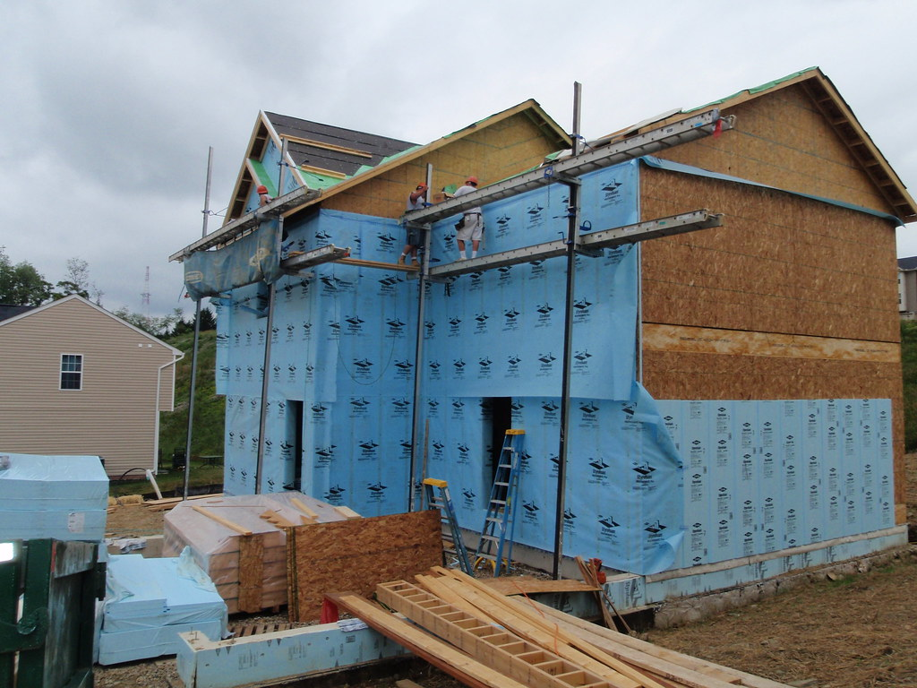 29-10 Exterior Foam Sheathing Day 3 10 | Housing Innovation Alliance ...: https://www.flickr.com/photos/labhomepittsburgh/4746013057