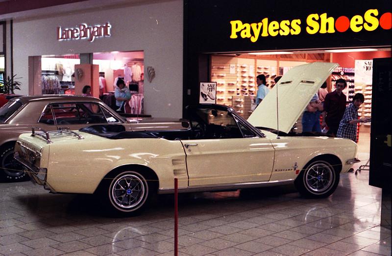Capital Mall Jefferson City Car Show