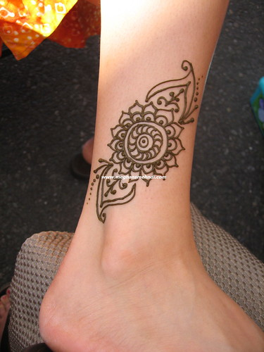 Mehndi Ankle : Simple ankle watermarked with picmarkr meghan