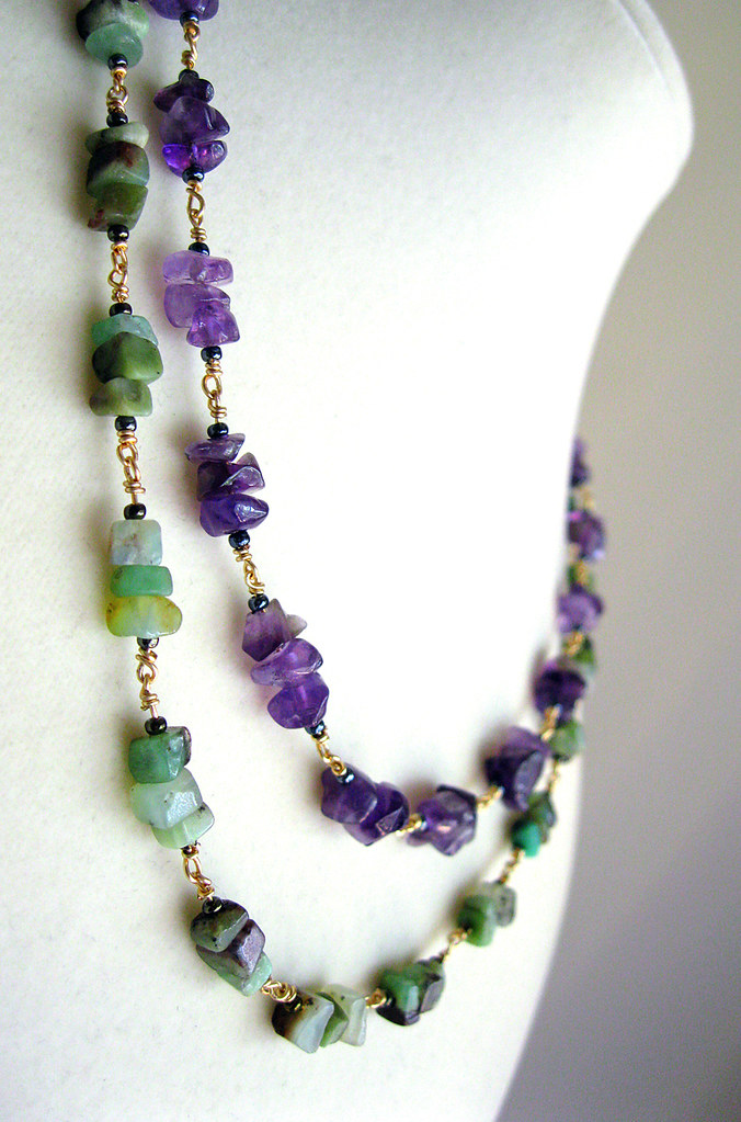 Chinese Chrysoprase And Amethyst Chip Necklace The