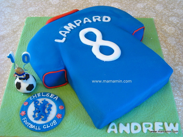 Chelsea jersey cake birthday boy 39 s fave player is for Football t shirt cake template