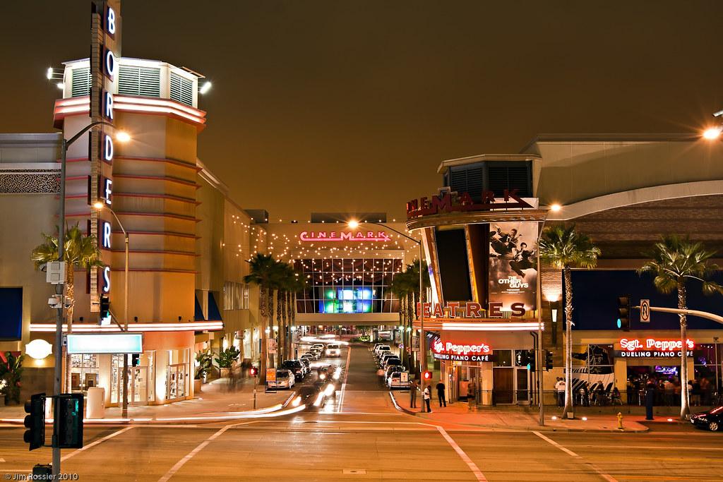 Cinemark Long Beach The Pike
