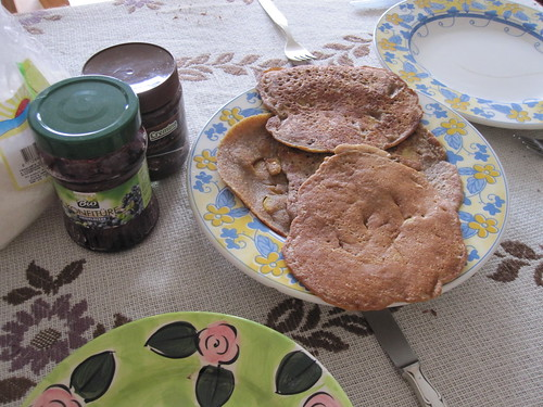 Vegan pankcakes for breakfast | by veganbackpacker