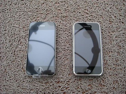 iPhone EDGE v.s. iPhone 4 | by jeanbaptiste maurice