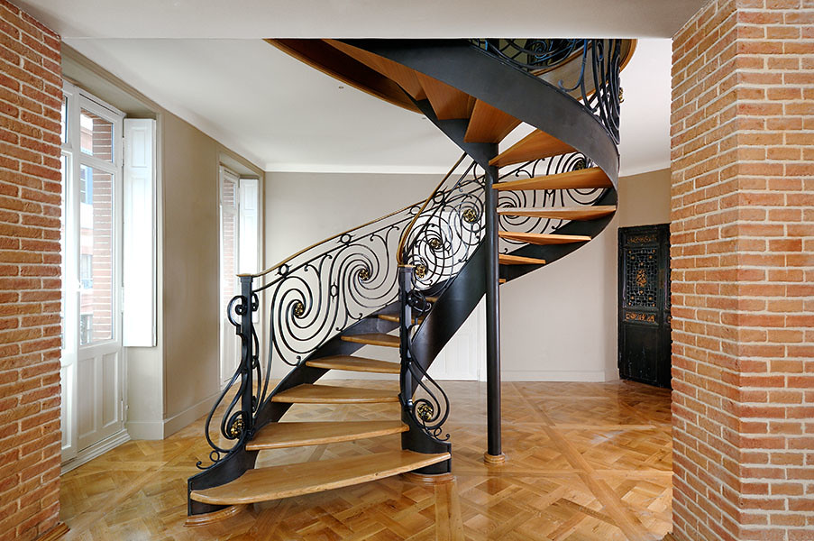 escalier et rampe de style louis xvi ferronnerie d 39 art. Black Bedroom Furniture Sets. Home Design Ideas