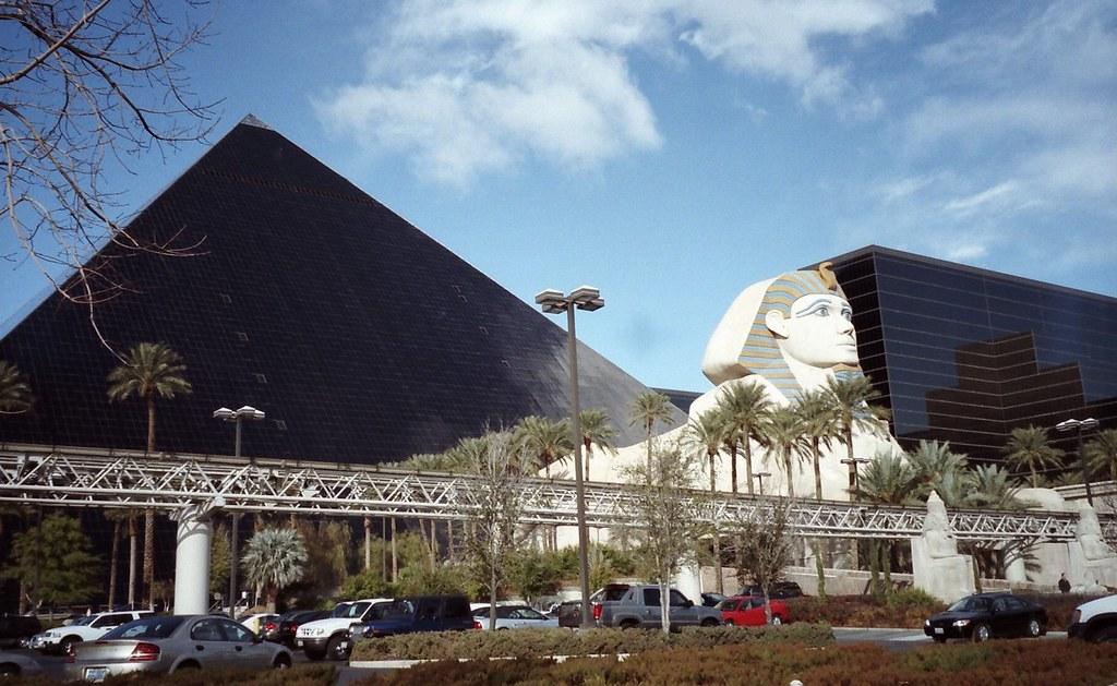 Pyramid Of Luxor Hotel Las Vegas Nevada Usa The Pyramid Flickr