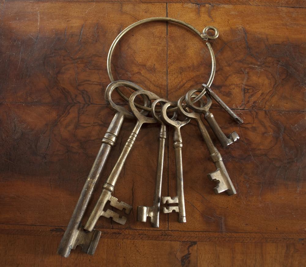 Antique skeleton keys rachael towne flickr for Llaves de bano antiguas