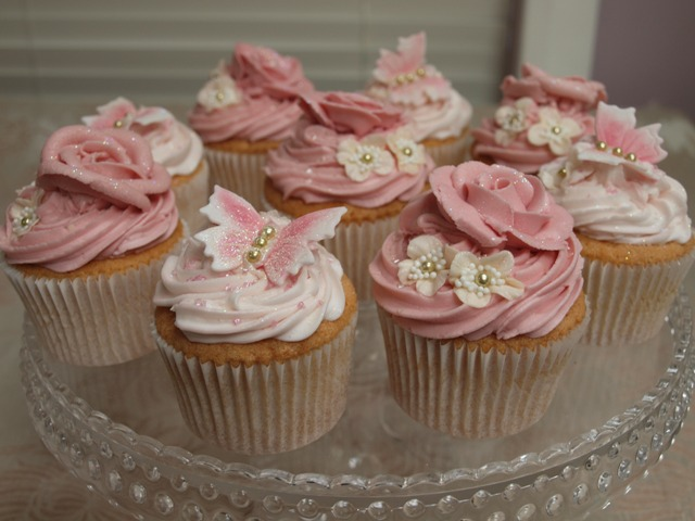 mini wedding cake cookies recipe girlie pink cupcakes girlie pink cupcakes a selection 17413