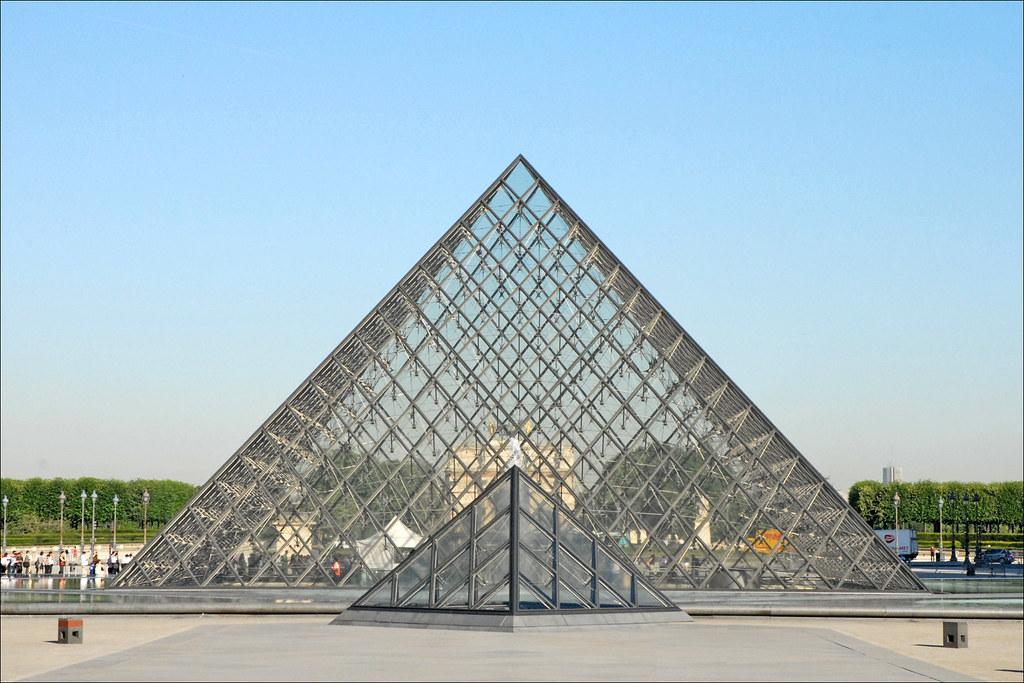 La pyramide du louvre la pyramide du louvre avant l 39 ouvert flickr - Inauguration pyramide du louvre ...