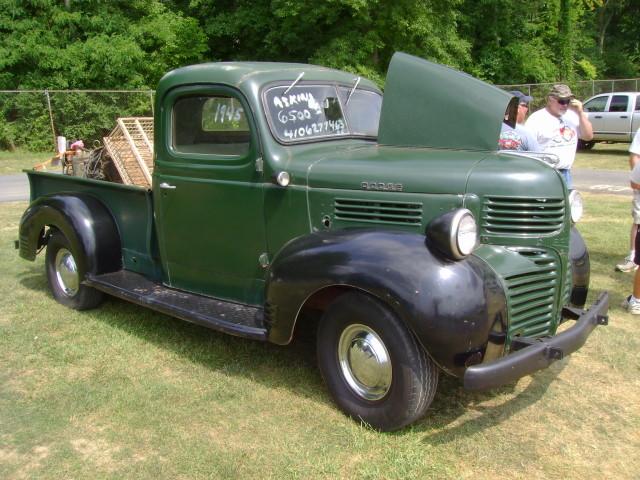 OLD PARKED CARS.: 1945 Dodge Pickup.