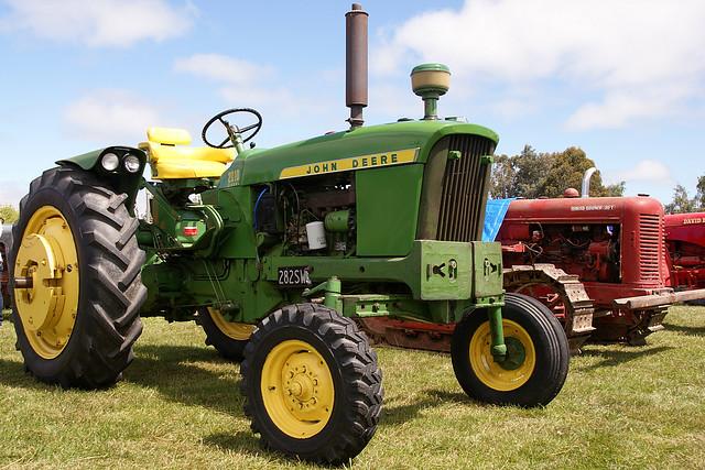Antique John Deere Show Tractors : John deere tractors antique tractor show car