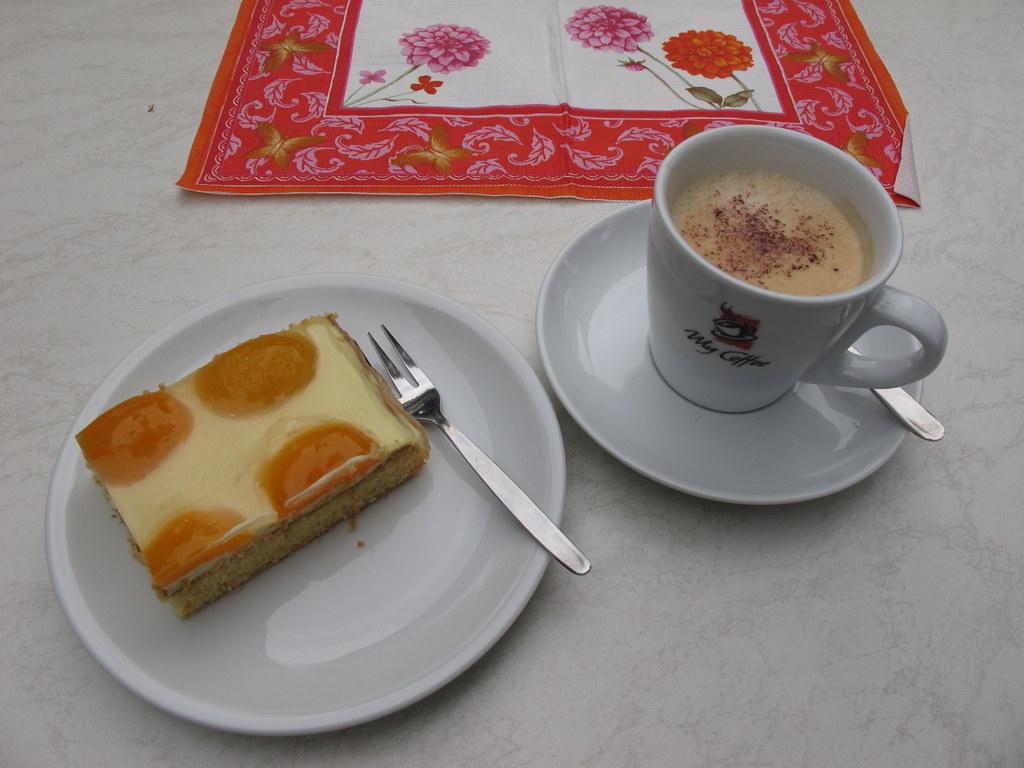 Cafe Und Kuchen In Der N Ef Bf Bdhe
