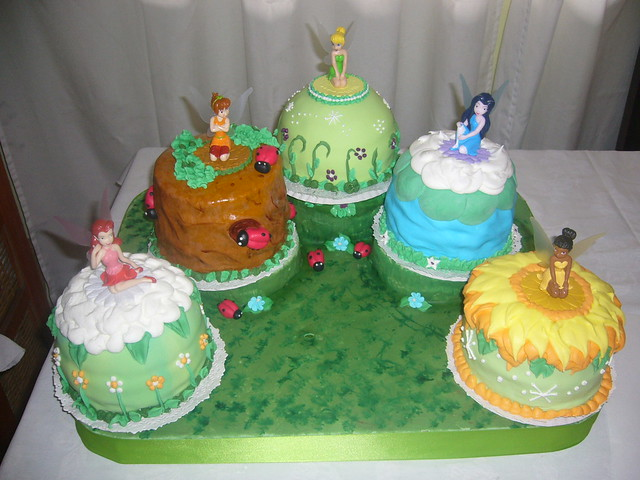Snap Torta de Tinkerbell photos on Pinterest