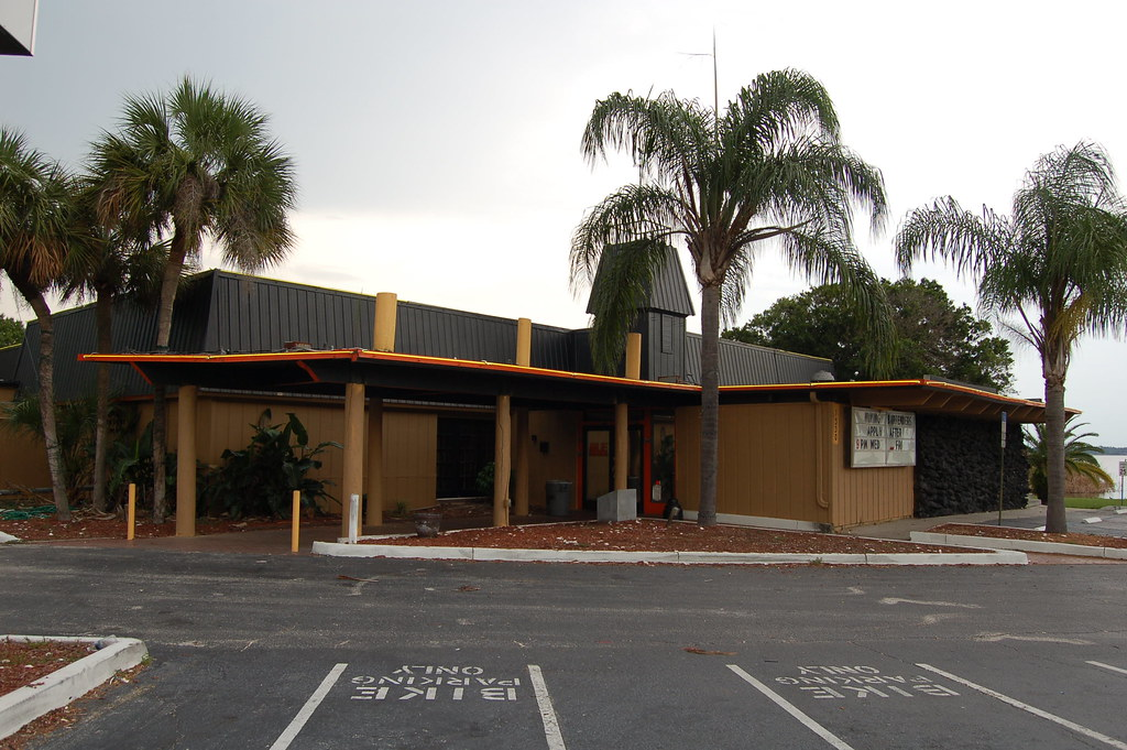 Red Lobster Building