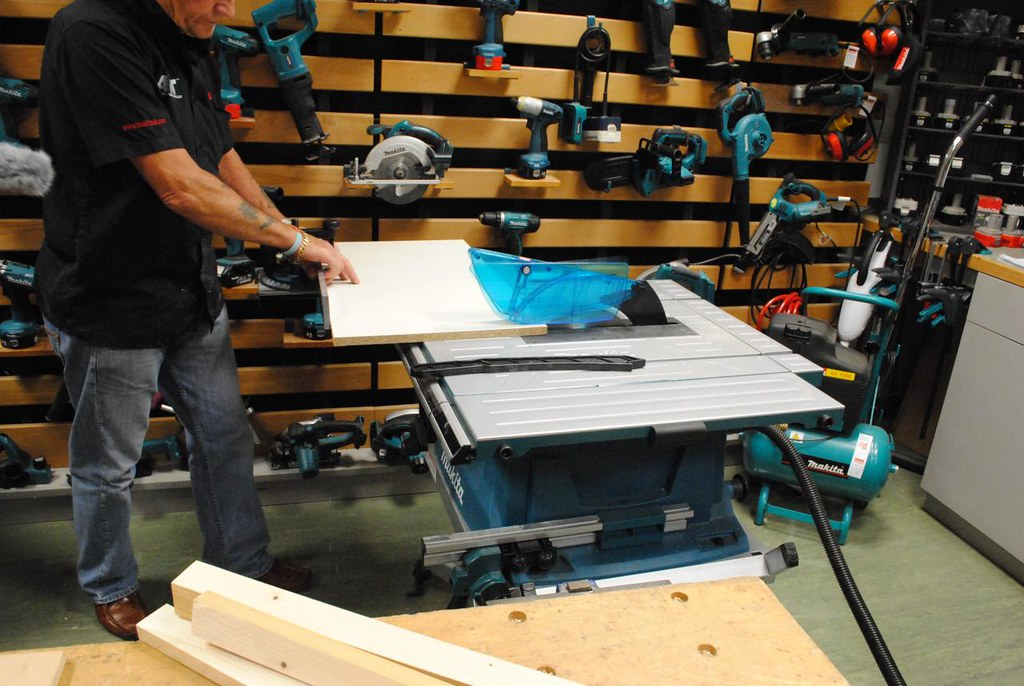 Makita Mlt100 Table Saw Toolstop Co Uk Blog For More
