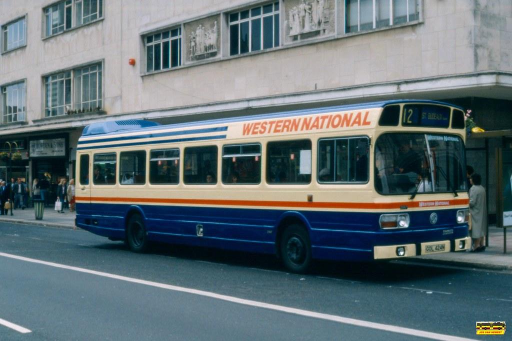 Western National 2887 GOL424N