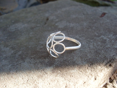 Silver wire circles ring | by JMAshby