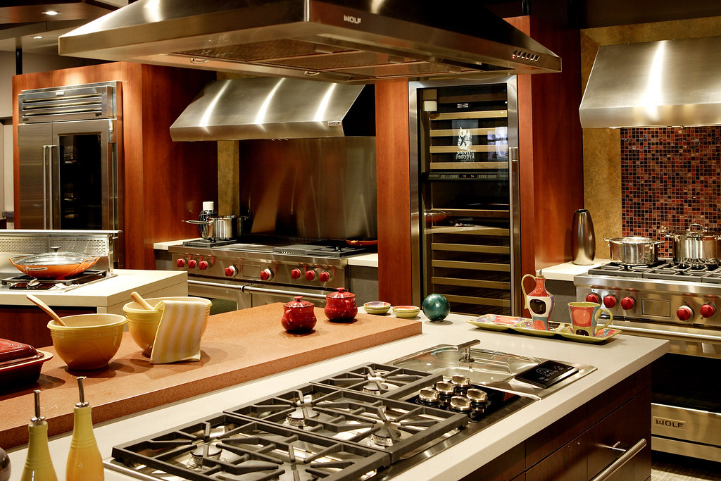 ... Wolf Living Kitchen   Pro Ranges/Range Hoods/Cooktops/Deep Fryer | By