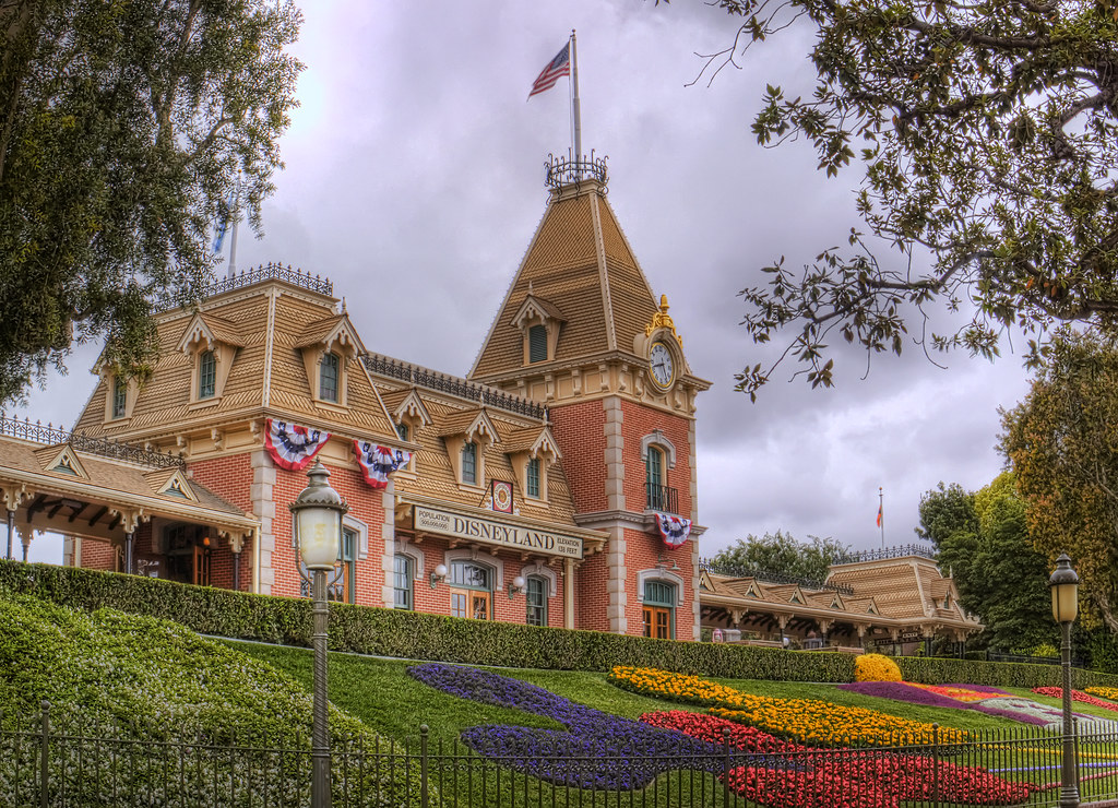 my favorite place disneyland Review: my favorite food in disneyland by aj 5 comments ok, for serious i'm just going to say it  people big masks, oversized beads, and beautiful architectural details make this.