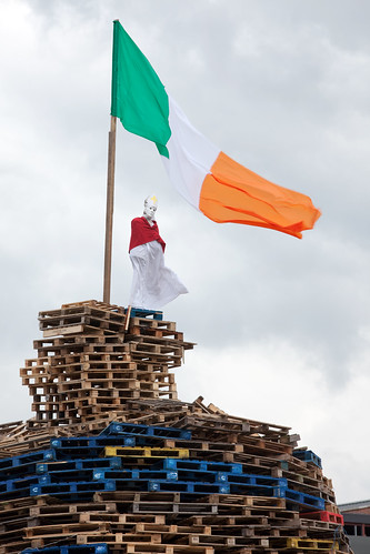 Bonfire, Pope Effigy, Irish Tricolor | by metroblossom