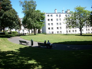 Jardin des halles recouvrance brest rue saint for Piscine recouvrance