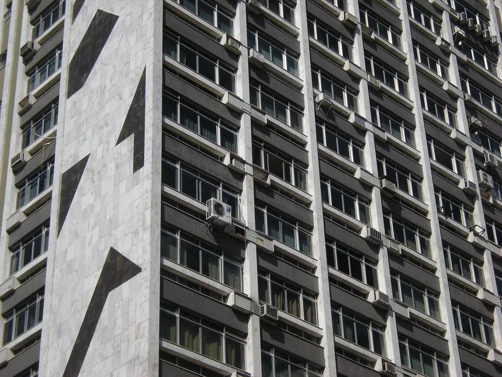 #4C4F5A Janelas de Juiz de Fora 13 Edifício Lux Leandro Ciuffo Flickr 1640 Janela De Aluminio Juiz De Fora