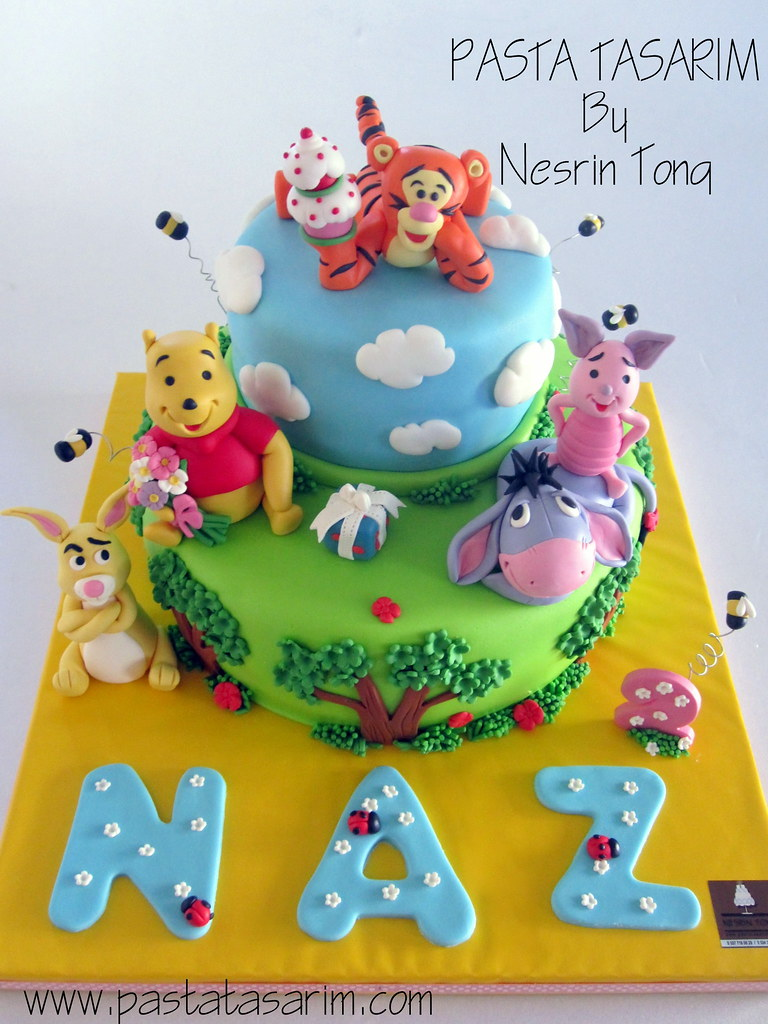 Pooh Bear Birthday Cake