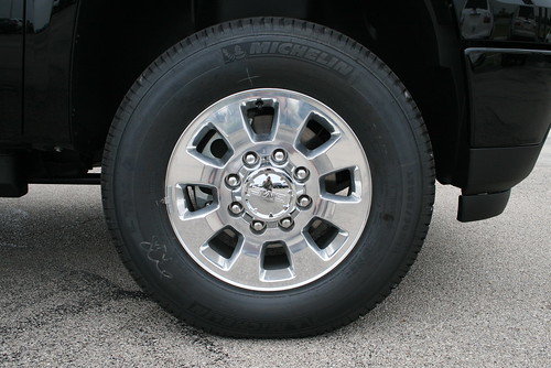 Chrome Wheels On The All New 2011 Gmc Sierra 2500hd Denali