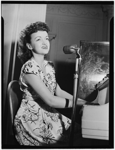 [Portrait of Dardanelle, Sheraton Hotel, Satire Room(?), New York, N.Y., ca. June 1946] (LOC) | by The Library of Congress