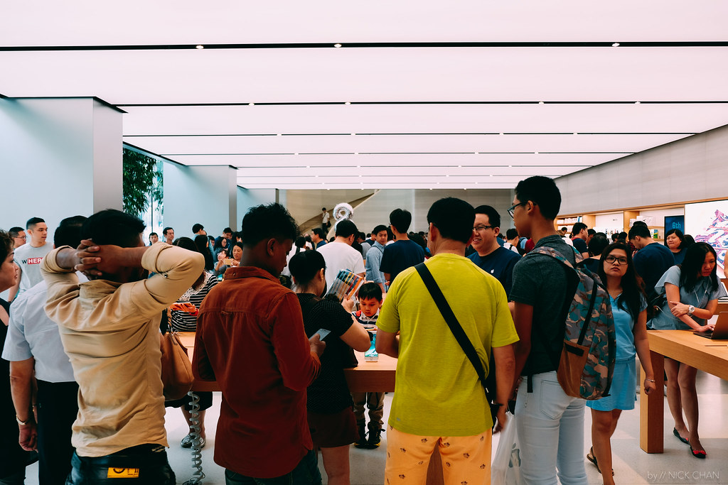 A Visit To Apple Store, Singapore