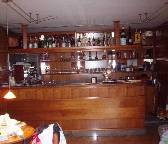 Bancone da bar vendesi bancone per bar colore ciliegio for Usato bancone bar