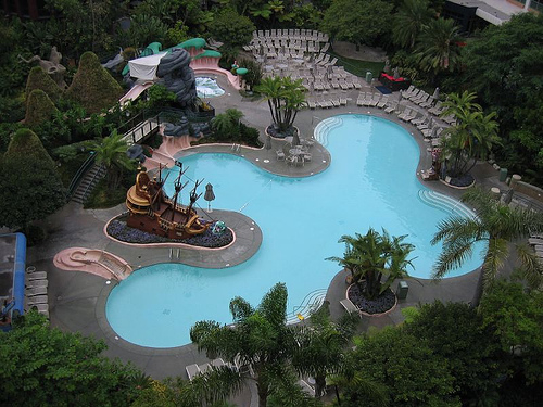 Mi >> Disneyland Hotel - Neverland Pool | Posted via email from mi… | Flickr