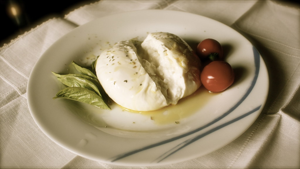 how is mozzarella cheese made