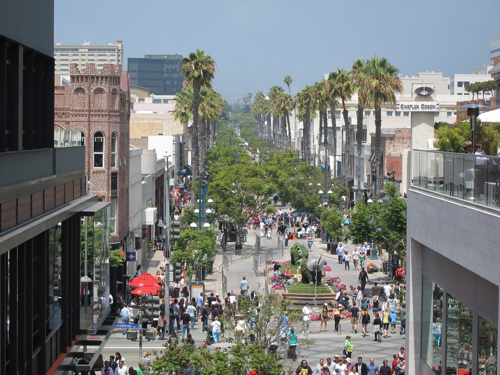 Santa Monica Place Mall Reopens Santa Monica Place Mall