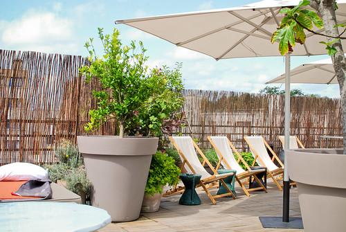 terrasse sur le toit du mama shelter paris 20 me et si. Black Bedroom Furniture Sets. Home Design Ideas