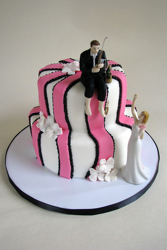 black and pink wedding cake ideas pink and black wedding cake based on a design the 11819