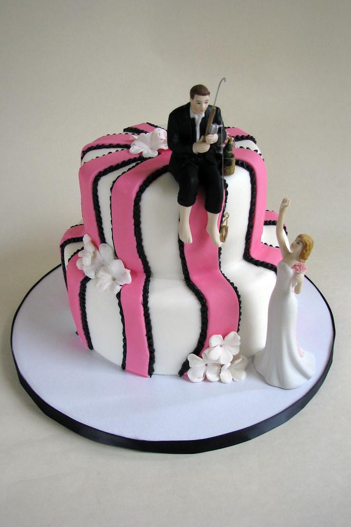 Pink and Black Wedding Cake | Based on a design the bride pi… | Flickr